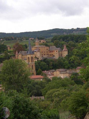 """Jarnioux : village typique du pays beaujolais des """"pierres dorées"""" - Domaine du """"Crêt de Bine"""""""